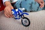Motor zabawka